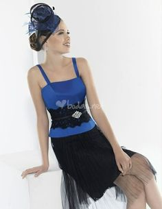 Vestido azul de Manu Álvarez - http://www.bodas.net/cat-DressList.php?tipo=2&Disenador=159