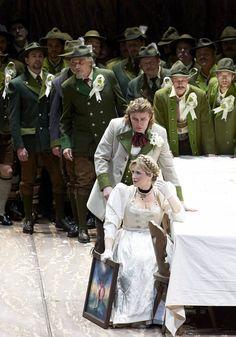 Wiener Staatsoper/Michael Pöhn. Klaus Florian Vogt als Lohengrin. Camilla Nylund als Elsa.