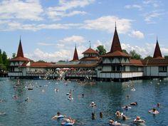 heviz Beautiful World, Beautiful Places, Europa Tour, Heart Of Europe, Moldova, Places To Go, Tourism, Around The Worlds, Adventure