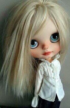 Blonde Blythe