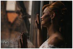 PIĘKNY WROCŁAWSKI ŚLUB MARTY I GRZESIA - b&w photography Pearl Earrings, Pearls, Jewelry, Fashion, Fotografia, Moda, Pearl Studs, Jewlery, Jewerly