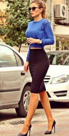 Work outfit | Long sleeve blue crop top and black pencil skirt