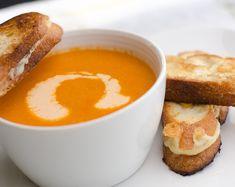 Zuppa di pomodoro con anacardi piccanti http://www.dailyunadventuresincooking.com/recipe/warm-and-spicy-cashew-and-tomato-soup/