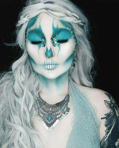 Frozen skull face paint - crazy make up - Makeup Makeup Fx, Creepy Makeup, Cosplay Makeup, Costume Makeup, Face Paint Makeup, Beauty Makeup, Crazy Make Up, Skull Face Paint, Fantasy Make Up