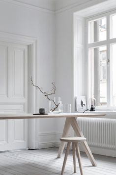 Scandinavian Dining Room Design: Ideas & Inspiration - Di Home Design Scandinavian Interior, Home Interior, Interior Decorating, Studio Interior, Interior Plants, French Interior, Classic Interior, Interior Doors, Contemporary Interior