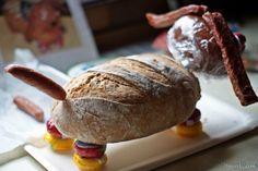Kreative Geburtstags-Geschenkidee: Wurst Brot Hund                                                                                                                                                                                 Mehr