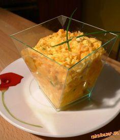 FANTASTICKÁ mrkvová nátierka POTREBNÉ PRÍSADY 1 väčšia mrkva, 1 nátierkové maslo bez príchute, 1 vajíčko uvarené natvrdo, 3-4 strúčky cesnaku, vegeta