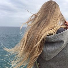 Блондинка худенькая с длинными волосами сзади, анна эро картинки