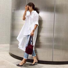 @sayu_213 コラボシャツ♡♡ ・ 形が可愛くて1枚でこなれ感が出せる◡̈✨ ・ ・ ・ tops @reby___official denim #stunninglure accessory #seadsmara bag #ayako shoes #zara