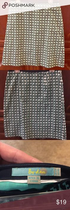 Boden summer skirt Cute cotton skirt for summer. Lined with complimentary mint green cotton slip. Hits at knee. Is marked size 8 but fits more like a 4/6. Boden Skirts A-Line or Full