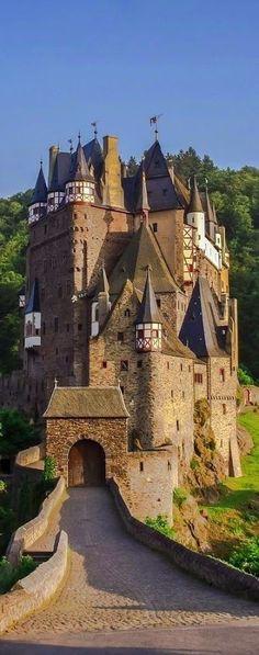Germany Castles Acesse Nosso Site Muito Mais Informações http://storelatina.com/travelling  #viagemalemanha #viagem #germany #Alemanha
