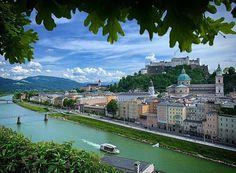 #Salzburg is always worth a visit. #Salzburgram . Photo: @peter.bier 📸 #cityphotography #salzburgcity #salzburg #kapuzinerberg #ilovesalzburg #canondeutschland #nikondeutschland #bw #qualitytime #photooftheday #lieblingsbild #lesphotographes #tellus #laufenmachtglücklich #unescoweltkulturerbe #salzach #urbanjungle #lieblingsplatz #salzburgcity #travelsalzburg Salzburg, Quality Time, Mansions, House Styles, Travel, S Pic, Beer, Viajes, Manor Houses