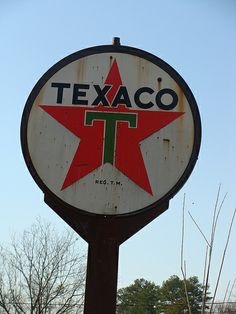 Rusty old Texaco Sign  Signage Vintage Antique American pickers restoration