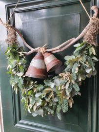 Woodland Christmas, Modern Christmas, Rustic Christmas, Christmas Home, Vintage Christmas, Christmas Door Decorations, Christmas Tablescapes, Holiday Wreaths, Holiday Decor