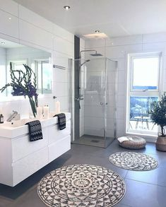 Take a look at the best florida condo bathroom in the photos below and get ideas for your own luxury vacations! Beautiful coastal beach house or condo bathroom with shell accent mirror. Small House Interior Design, Bathroom Interior Design, Condo Decorating, Decorating Your Home, Decorating Ideas, Condo Bathroom, Small Bathroom, Online Furniture Stores, Furniture Shopping