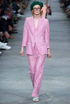Traje #Rosa #Decade60 #Gucci