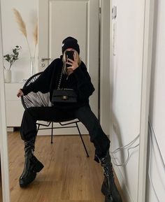 Casual Fall Outfits, Edgy Outfits, Mode Outfits, Winter Outfits, Fashion Outfits, Spring Outfits, Tomboy Fashion, Streetwear Fashion, Mode Hipster