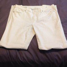 White Skinny Super Soft Jeans size 33/16 White Skinny Super soft Premium Denim Jean Size 33/16 Worn once or twice.  No stains in like new condition. JCPENNY brand. jcpenney Jeans Skinny