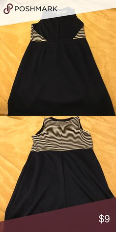 Old Navy, Navy Dress Navy dress with gray strips around the front and on the back Old Navy Dresses Midi