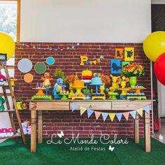 As fotos chegam e a gente fica babando. #festapokemon para o Pedro em uma paleta bem colorida e alegre. Projeto e decoração @lemondecolorebr @fabiborgheresi Doces e bolos @bolodalais Peças @acasaesualocacoes Papelaria @mundodecorfestas @tamiresaraujofotografia #festainfantil #alphaville #alphavilleearredores #lemondecolore #fabiborgheresi Pikachu, Birthday Bash, Birthday Party Themes, Pokemon Party Decorations, Pokemon Birthday, Party Food And Drinks, Party Activities, Baby Games, Lucca