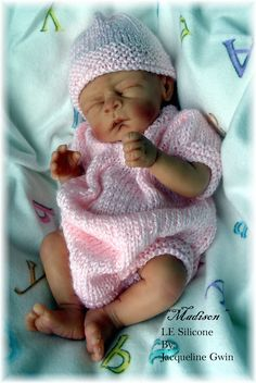 Solid Silicone Babies( If you don't get your baby fix here you won't get it anywhere) Life Like Baby Dolls, Life Like Babies, Reborn Dolls, Reborn Babies, Beautiful Babies, Beautiful Dolls, Baby Doll Nursery, Doll Museum, Silicone Baby Dolls