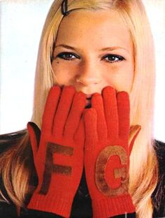 initial gloves // france gall
