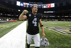 Raiders vs. Saints: Updated September 11, 2016 5:21 PM By NEWSDAY.COM sports@newsday.com NEW ORLEANS — Oakland gambled with a 2-point conversion that David Carr converted with a pass to Michael Crabtree for the winning points with 47 seconds left to help the Raiders beat the New Orleans Saints 35-34 on Sunday. - Derek Carr #4 of the Oakland Raiders celebrates after winning a game against the New Orleans Saints at Mercedes-Benz Superdome on Sept. 11, 2016 in New Orleans.