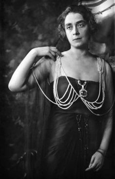 7. The inventor of the bra also helped guide the careers of James Joyce, D.H. Lawrence, and Henry Miller.   8 Random Facts That Will Change Your Perspective On Everything You Wear