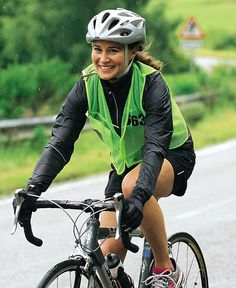 Pippa Middleton completes first full marathon in 30-degree heat #dailymail