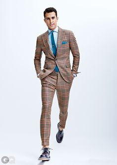 Discover the Top 15 Most Inspiring Men's Suits Quotes. Here are 15 Insightful, Rare and Inspirational Men's Suits Quotes and Sayings by Famous People. Sharp Dressed Man, Well Dressed Men, Checkered Suit, Plaid Suit, Der Gentleman, Gentleman Style, Mens Fashion Suits, Mens Suits, Dandy Look