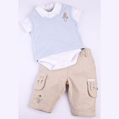 Peter Rabbit outfit (cute for Boston)