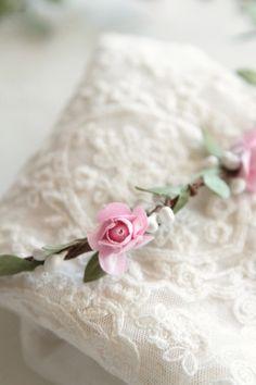 halo fleurs rose  http://atmospheremariages.fr/1130-4061-thickbox/couronne-fleur.jpg