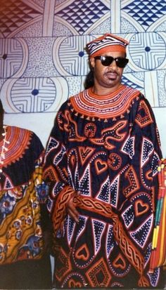 Stevie Wonder wearing a traditional attire from Cameroon (Central Africa).