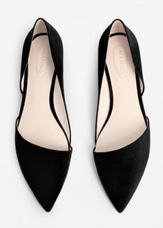 Flache, spitze Schuhe Source by The post Flache, spitze Schuhe appeared first on Kunex. Black Flats Shoes, Pointy Toe Flats, Pump Shoes, Shoe Boots, Pumps, Flat Shoes, Toe Shoes, Pointed Flats Outfit, Ballerinas Outfit