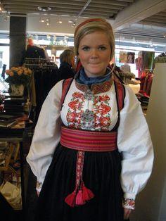 Bilderesultat for beltestakk Folk Costume, Costumes, Scandinavian, Folklore, Norway, Dresses, Fashion, Outfits, Vestidos