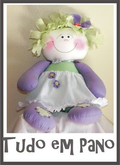 free pattern with tutorial link here… Doll Toys, Baby Dolls, Fun Projects, Sewing Projects, Sewing Stuffed Animals, Sewing Toys, Soft Dolls, Doll Crafts, Fabric Dolls