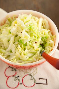 Paula Deen Country Style Fried Cabbage--this was delicious. I actually fried some bacon and used bacon pieces in it. Food Network Recipes, Cooking Recipes, Healthy Recipes, Salad Recipes, Side Dish Recipes, Vegetable Recipes, Fried Cabbage Recipes, Cooked Cabbage, Great Recipes