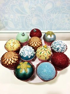Christmas Bauble Cupcakes - Cake by Israel