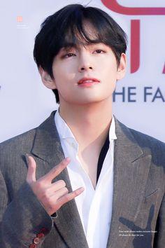 190424 The Fact Music Awards V Bts Wallpaper, Kim Taehyung, Namjoon, Kim Woo Bin, Most Handsome Men, Blackpink Jisoo, Bts Boys, Taekook, Music Awards