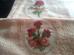 Ricamo punto croce du asciugamano grande e piccola. Personalizzabili Vedi profilo Facebook e Instagram