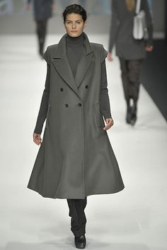 Max Mara Fall 2008 Ready-to-Wear Collection Slideshow on Style.com
