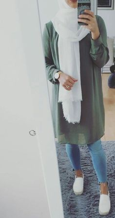 Ideas For Style Outfits Casual Hijab Modern Hijab Fashion, Street Hijab Fashion, Islamic Fashion, Muslim Fashion, Modest Fashion, Fashion Outfits, Hijab Chic, Casual Hijab Outfit, Casual Outfits