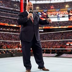 Paul Heyman insists that his client Brock Lesnar defend the Universal Championship in the first match at WrestleMania, so they can get out of MetLife Stadium. Seth Rollins, Wwe Entertainment, Paul Heyman, Wrestlemania 35, Champion, Metlife Stadium, Wwe Pay Per View, Brock Lesnar, Wwe News