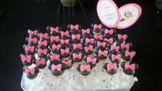 Minnie mouse cakepops