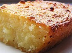 Aipim Cake with Coco in Blender Sweet Recipes, Cake Recipes, Dessert Recipes, I Love Food, Good Food, Yummy Food, Brazilian Dishes, Portuguese Recipes, Portuguese Desserts