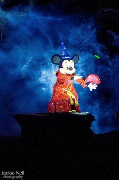 Disneyland's Fantasmic! - Sorcerer Mickey Mouse | Flickr: Intercambio de fotos