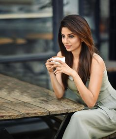 Model Ekta Maru is sweeping the internet with her stunning photos Girl Photo Poses, Girl Photography Poses, Girl Poses, Fashion Photography, Stylish Girl Images, Cute Beauty, Beautiful Indian Actress, Fashion Advice, Bollywood Actress