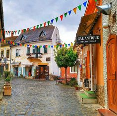 Photo by Hungary/Magyarország in Szentendre with Image may contain: outdoor via Hungary Travel, Photo Location, House Styles, Places, Instagram, Outdoor, Image, Outdoors, Lugares