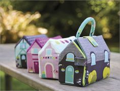 Free pattern download to make these sweet Storybook Lane plush play houses!