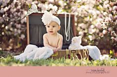 Baby Girl Vintage Photoshoot 6 Months 16 Ideas For 2019 Toddler Pictures, Baby Girl Pictures, Baby Photos, Little Girl Photos, Girl Photo Shoots, 1st Birthday Photos, Foto Baby, Children Photography, Photography Ideas